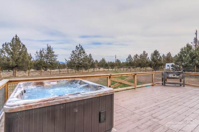 8396 SW Homestead Place, Terrebonne, OR 97760 (MLS #202001867) :: Bend Homes Now