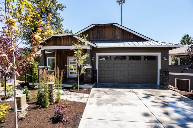 20677 Pelican Butte Place, Bend, OR 97702 (MLS #220101021) :: Berkshire Hathaway HomeServices Northwest Real Estate