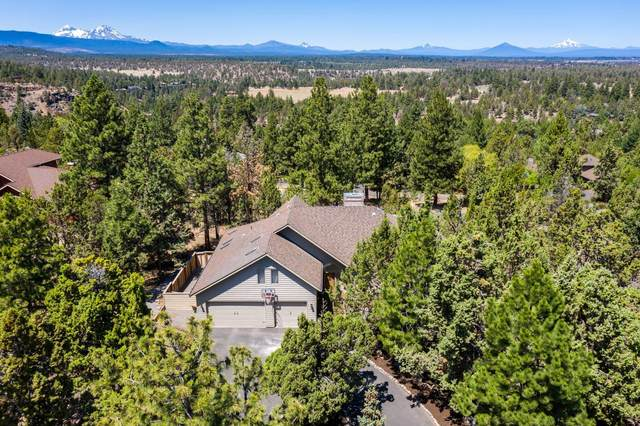 3811 NW Summerfield, Bend, OR 97703 (MLS #220105000) :: Coldwell Banker Bain