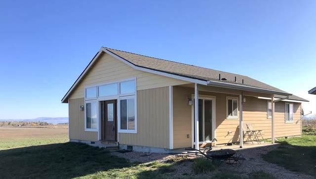 8596 N Adams Drive, Madras, OR 97741 (MLS #220120113) :: Berkshire Hathaway HomeServices Northwest Real Estate