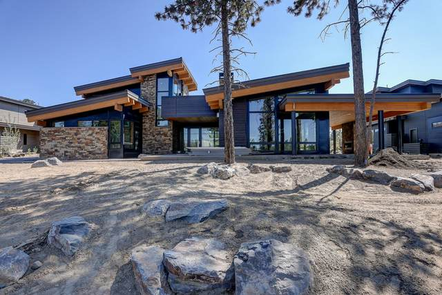 61856 Hosmer Lake Drive, Bend, OR 97702 (MLS #220125563) :: The Ladd Group