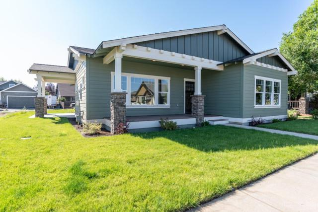941 NW Rimrock Drive, Redmond, OR 97756 (MLS #201802794) :: The Ladd Group