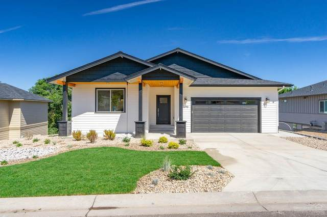 2346 SW Valleyview Drive, Redmond, OR 97756 (MLS #201901241) :: Bend Relo at Fred Real Estate Group