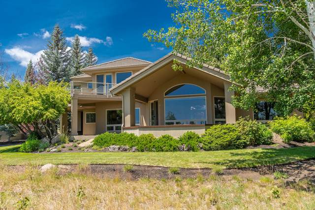 19226 Green Lakes Loop, Bend, OR 97702 (MLS #201910643) :: Fred Real Estate Group of Central Oregon
