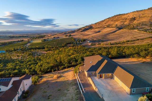 3395 Annapolis Drive, Medford, OR 97504 (MLS #220100900) :: Windermere Central Oregon Real Estate