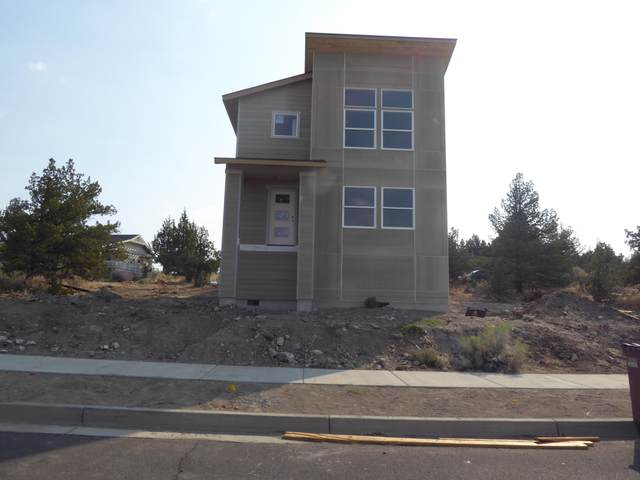 433 SE Larkspur Drive, Madras, OR 97741 (MLS #220102642) :: The Riley Group