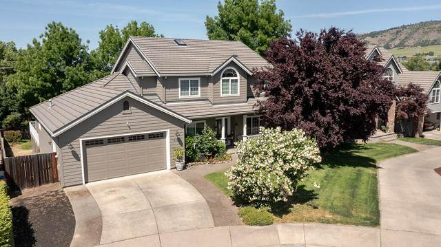 2951 Chancery Circle, Medford, OR 97504 (MLS #220122046) :: Chris Scott, Central Oregon Valley Brokers