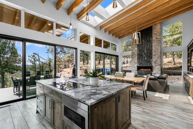 3518 NW Mesa Verde Court, Bend, OR 97703 (MLS #220128029) :: Chris Scott, Central Oregon Valley Brokers