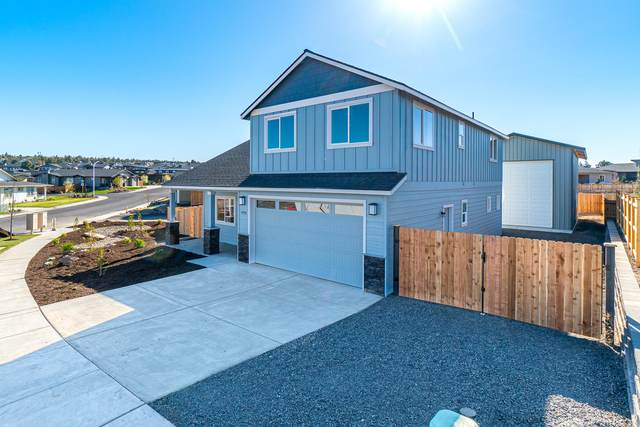 4722 SW Zenith Avenue, Redmond, OR 97756 (MLS #220106961) :: Central Oregon Home Pros