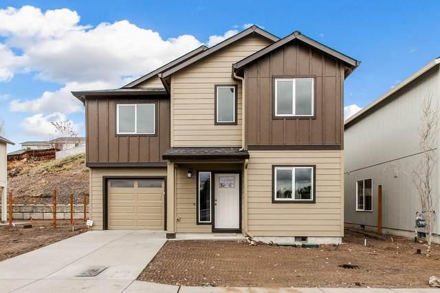 661 NE Brookstone Drive, Prineville, OR 97754 (MLS #220131021) :: Central Oregon Home Pros