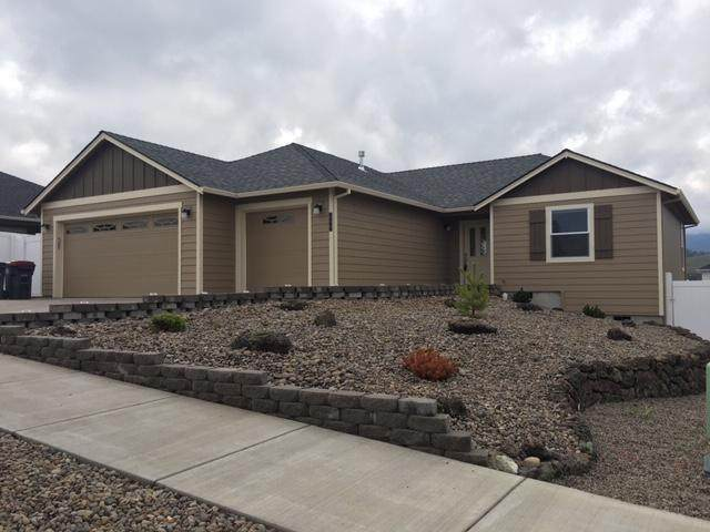 655 Nobility Drive, Medford, OR 97501 (MLS #103011123) :: Berkshire Hathaway HomeServices Northwest Real Estate
