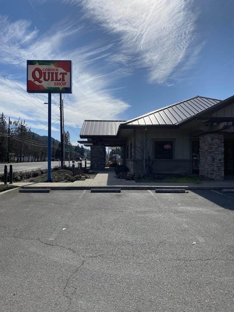 0 Corner Quilt Shop - Photo 1