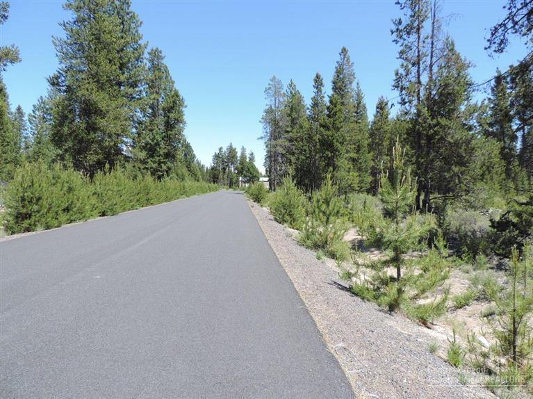 8 Micah Lane Lot, La Pine, OR 97739 (MLS #201405662) :: Birtola Garmyn High Desert Realty