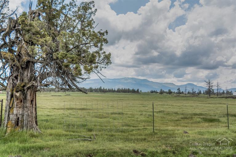 3424 SW Reif Road, Powell Butte, OR 97753 (MLS #201504767) :: Birtola Garmyn High Desert Realty