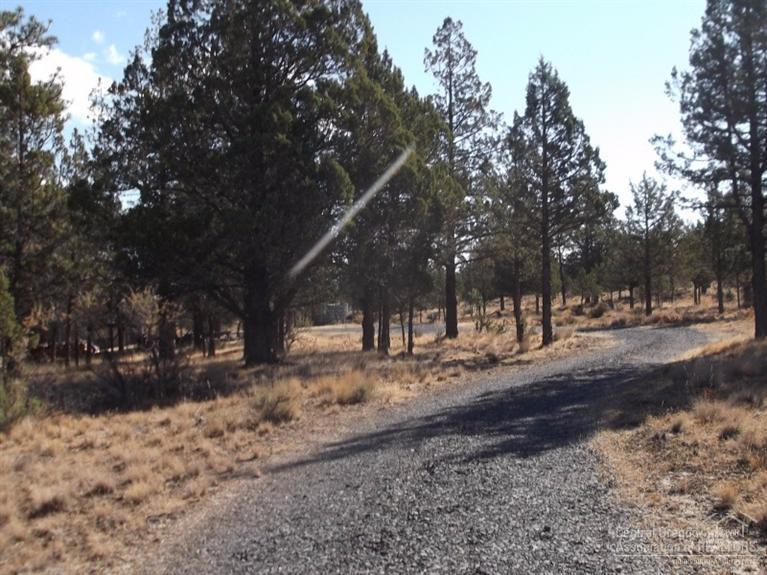 12905 SW That Way Lane, Culver, OR 97734 (MLS #201510168) :: Birtola Garmyn High Desert Realty