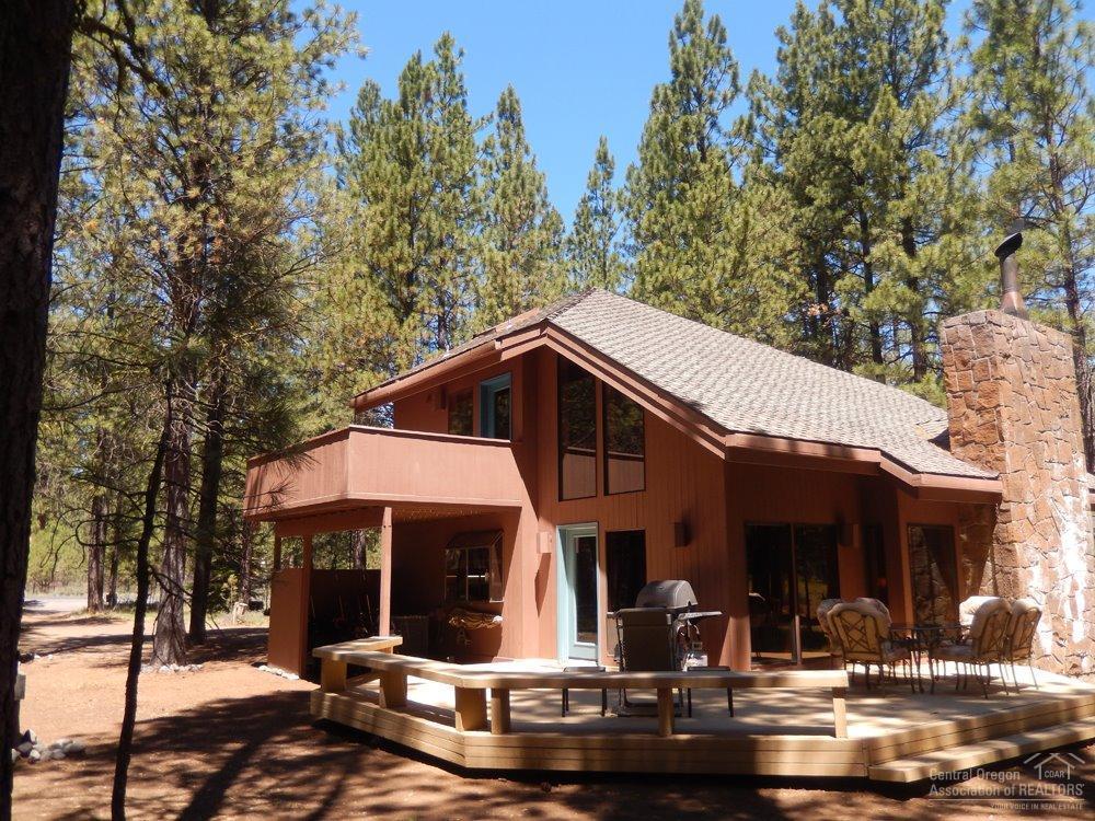 70506 Ponderosa, Black Butte Ranch, OR 97759 (MLS #201606663) :: Birtola Garmyn High Desert Realty