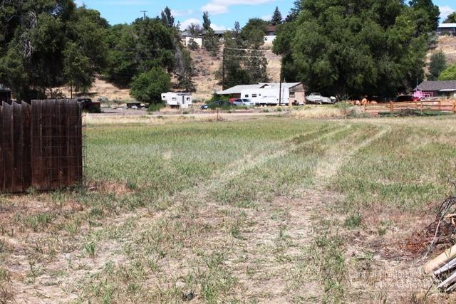0 NE 6th Street Tbd, Prineville, OR 97754 (MLS #201606986) :: Birtola Garmyn High Desert Realty