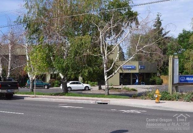 141 NW 6th Street, Redmond, OR 97756 (MLS #201608401) :: Birtola Garmyn High Desert Realty