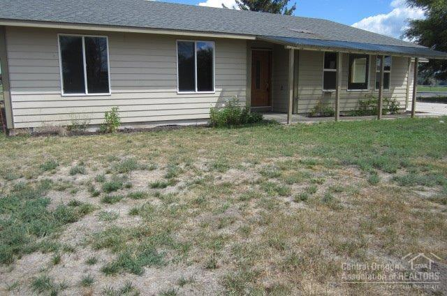 3663 NW Gumpert Road, Prineville, OR 97754 (MLS #201608480) :: Birtola Garmyn High Desert Realty