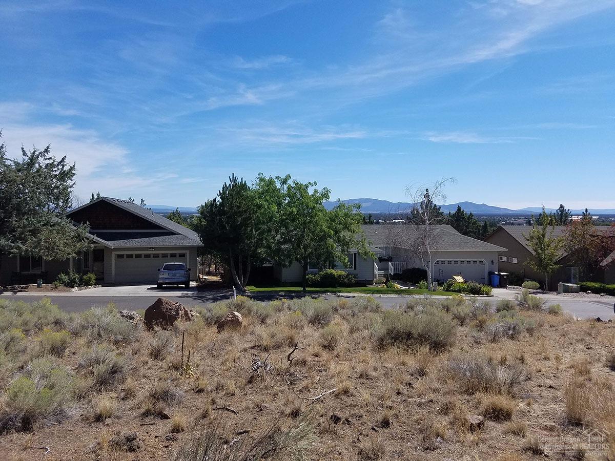 69 Valleyview Drive Lot, Redmond, OR 97756 (MLS #201608612) :: Birtola Garmyn High Desert Realty