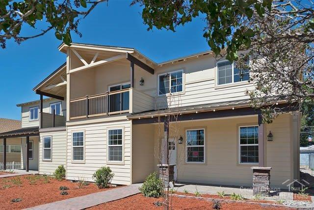 669 SE 2nd Street, Prineville, OR 97754 (MLS #201609130) :: Birtola Garmyn High Desert Realty