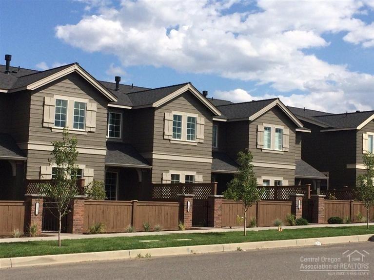 20751 NE Boulderfield Avenue, Bend, OR 97701 (MLS #201610056) :: Birtola Garmyn High Desert Realty