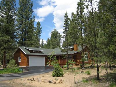 53566 Kokanee Way, La Pine, OR 97739 (MLS #201610075) :: Birtola Garmyn High Desert Realty