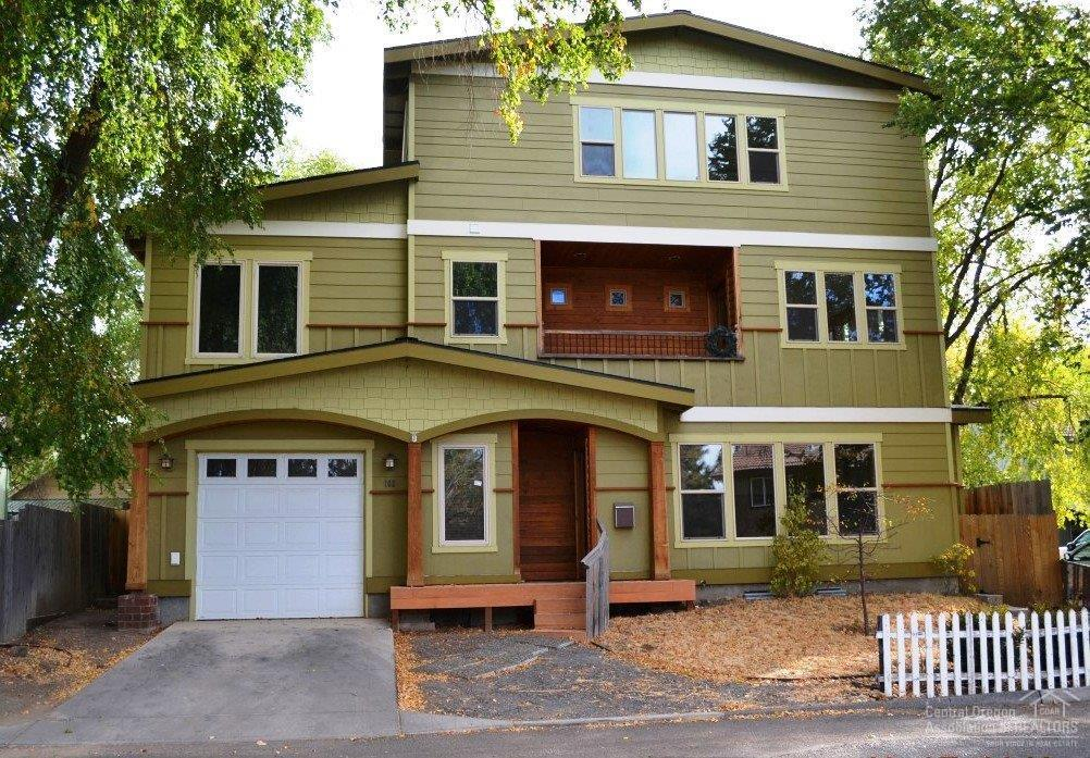 102 NW Jefferson Place, Bend, OR 97703 (MLS #201610214) :: Birtola Garmyn High Desert Realty