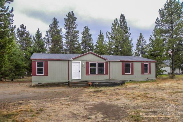 16131 Twin Drive, La Pine, OR 97739 (MLS #201610241) :: Birtola Garmyn High Desert Realty