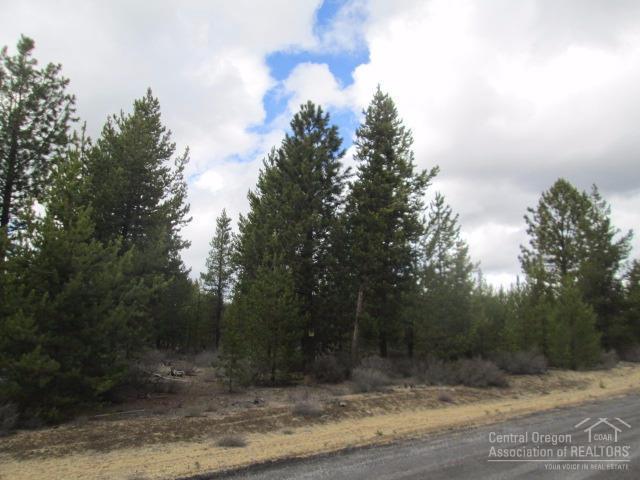 8 Gracies Road Lot8, La Pine, OR 97739 (MLS #201702072) :: Birtola Garmyn High Desert Realty