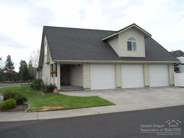 4450 SW Trevino Court, Redmond, OR 97756 (MLS #201705111) :: Birtola Garmyn High Desert Realty