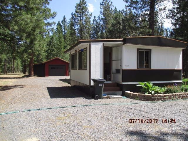 51850 Knobcone, La Pine, OR 97739 (MLS #201707349) :: The Ladd Group