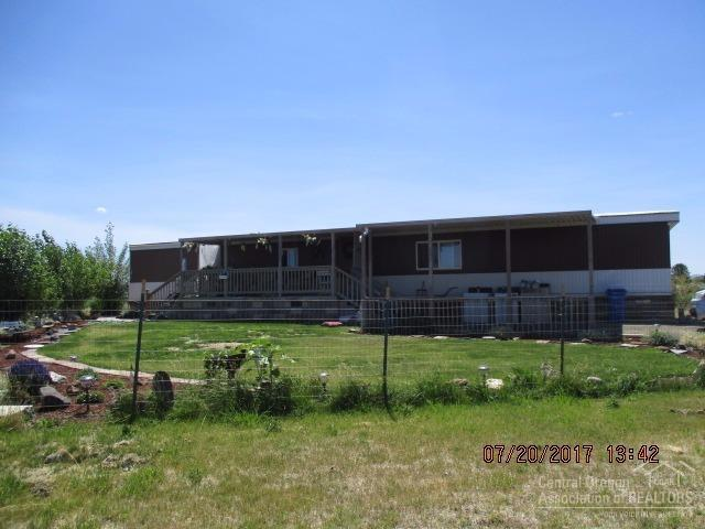 86840 Juniper Street, Christmas Valley, OR 97641 (MLS #201707406) :: Birtola Garmyn High Desert Realty
