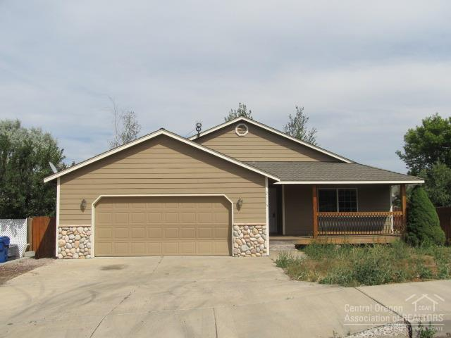 2116 SW 35th Place, Redmond, OR 97756 (MLS #201707422) :: The Ladd Group