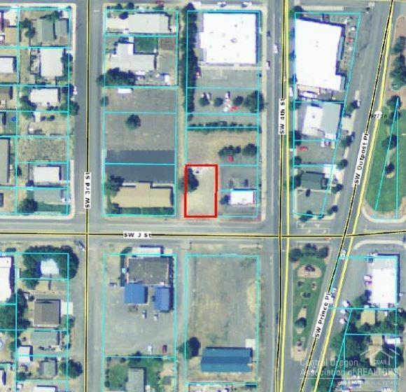 86 Southwest J Street, Madras, OR 97741 (MLS #201708080) :: Fred Real Estate Group of Central Oregon