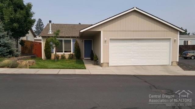 20146 SE Hawes Lane, Bend, OR 97702 (MLS #201708506) :: Fred Real Estate Group of Central Oregon