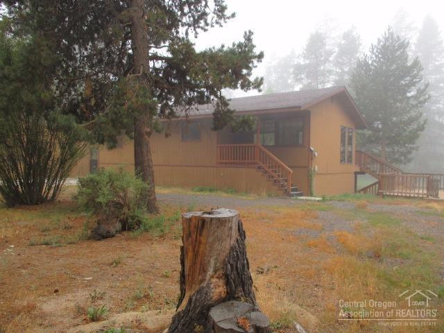 52343 Glenwood Drive, La Pine, OR 97739 (MLS #201708676) :: Fred Real Estate Group of Central Oregon