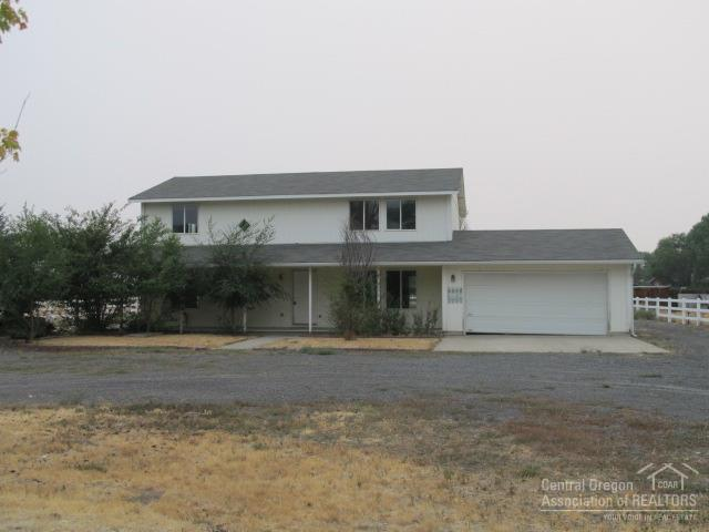 6600 SW Frazier Drive, Culver, OR 97734 (MLS #201708924) :: Fred Real Estate Group of Central Oregon