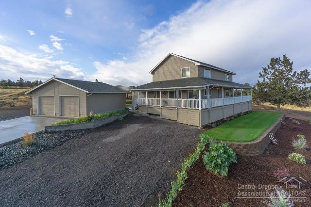 2382 SW Helmholtz Way, Redmond, OR 97756 (MLS #201709617) :: Fred Real Estate Group of Central Oregon