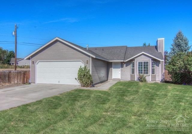 2825 SW 27th Court, Redmond, OR 97756 (MLS #201709674) :: Fred Real Estate Group of Central Oregon