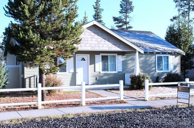 16692 Wyatt Drive, La Pine, OR 97739 (MLS #201709747) :: Birtola Garmyn High Desert Realty