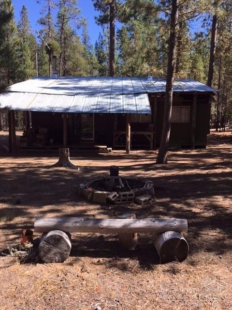 9 Schoonover, Crescent Lake, OR 97733 (MLS #201709918) :: Birtola Garmyn High Desert Realty