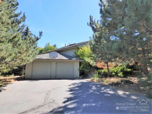 61532 West Ridge Avenue, Bend, OR 97702 (MLS #201710308) :: Birtola Garmyn High Desert Realty