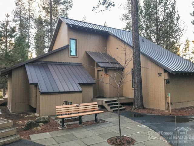 32 Cluster Cabin Lane, Sunriver, OR 97707 (MLS #201800282) :: Fred Real Estate Group of Central Oregon