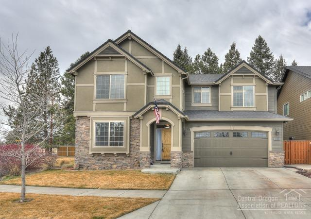 20426 Jacklight Lane, Bend, OR 97702 (MLS #201800897) :: Pam Mayo-Phillips & Brook Havens with Cascade Sotheby's International Realty