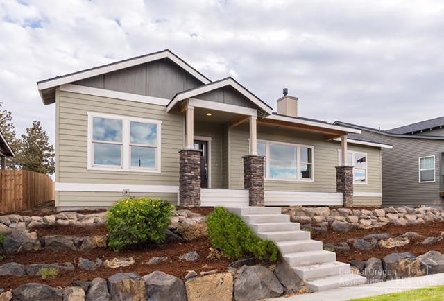 63852 Hunters Circle, Bend, OR 97701 (MLS #201801266) :: Pam Mayo-Phillips & Brook Havens with Cascade Sotheby's International Realty