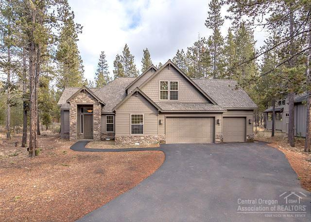 56956 Jackpine Lane, Sunriver, OR 97707 (MLS #201801305) :: Team Birtola High Desert Realty