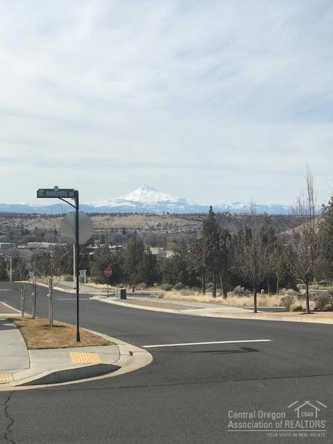 1 SE Manzanita, Madras, OR 97741 (MLS #201802170) :: Windermere Central Oregon Real Estate