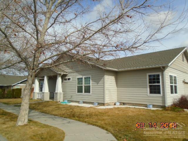 715 NE Fieldstone Court, Prineville, OR 97754 (MLS #201802308) :: Fred Real Estate Group of Central Oregon