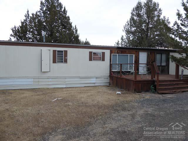 5177 SW Brandy Lane, Culver, OR 97734 (MLS #201802590) :: Central Oregon Home Pros